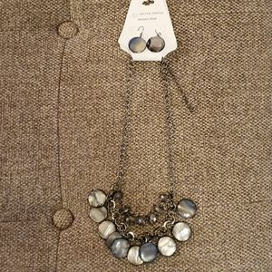 Necklace and earring set-striking fashion!